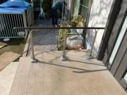 玄関ポーチに歩行者補助手すりを設置 ~東大和市中央~